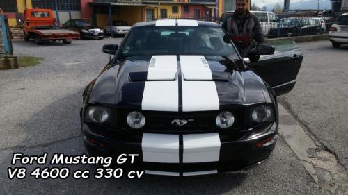 Ford Mustang GT V8 4600cc 330cv